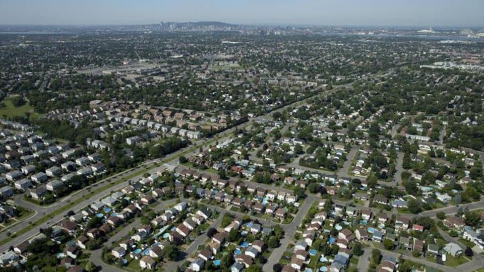 Vue aérienne de la Rive-Sud de Montréal.