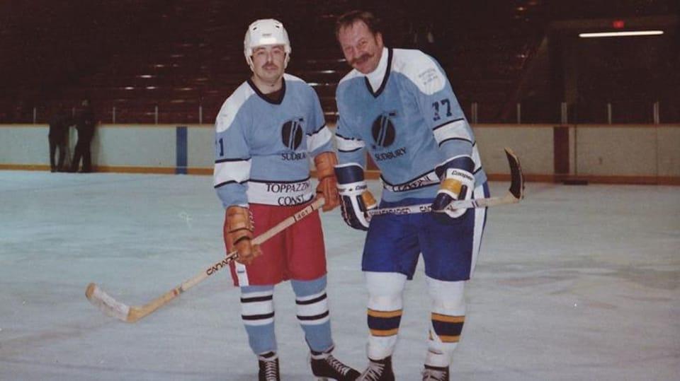 Ron Dupuis et Eddie Shack sur la patinoire