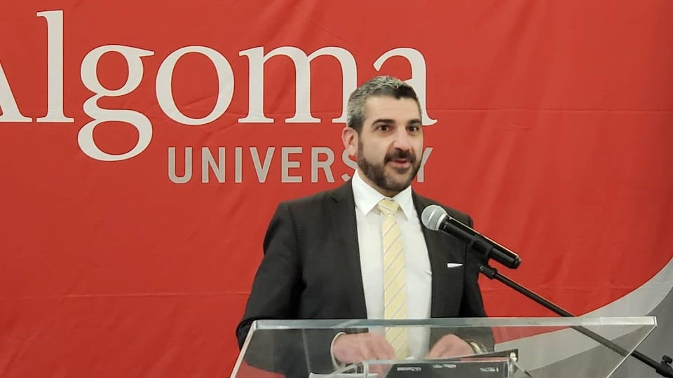 Le député progressiste-conservateur de Sault-Sainte-Marie, Ross Romano.