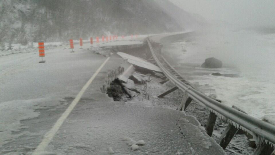 Route 132 en Gaspésie après la tempête