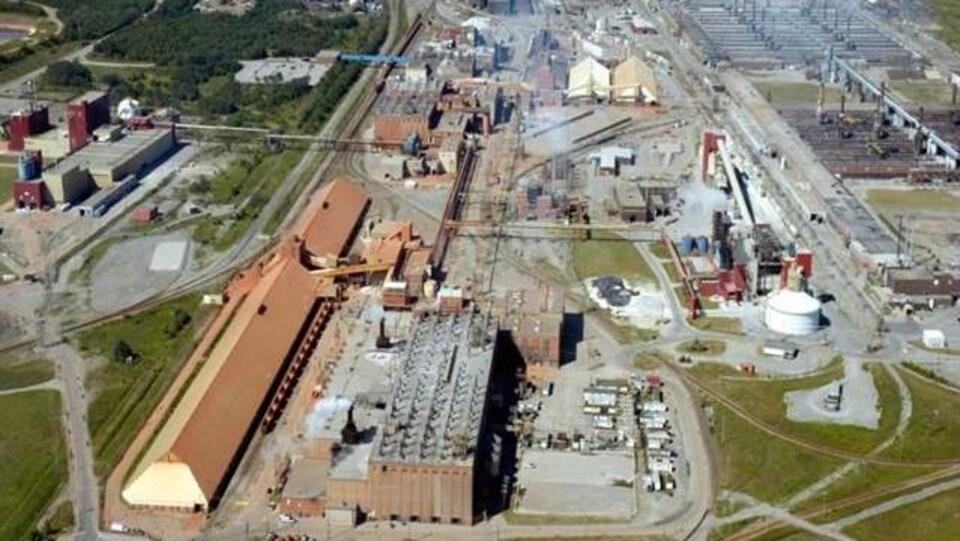 Vue aérienne de l'usine Vaudreuil.
