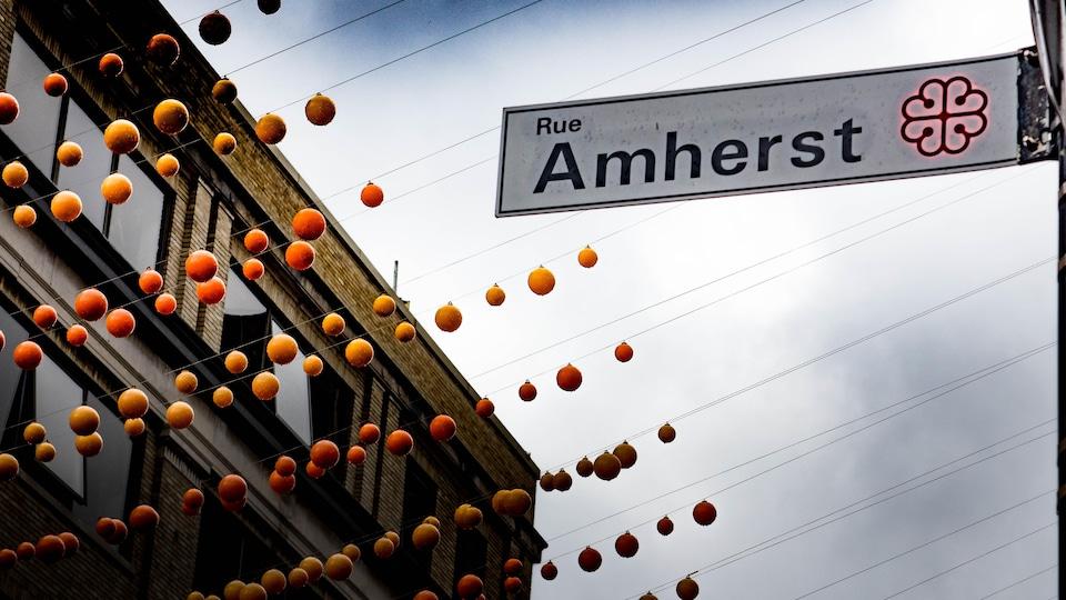 Pancarte sur laquelle est écrit le nom Amherst.