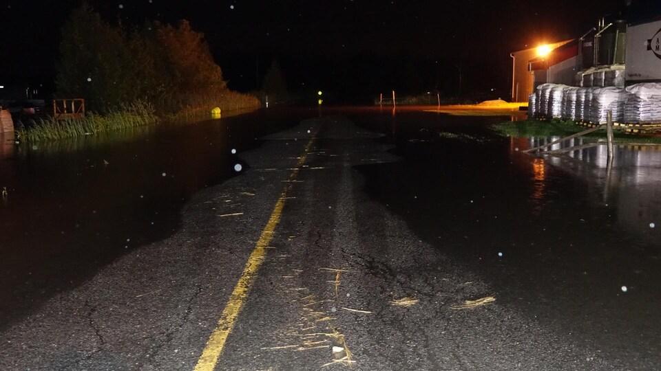 Certaines rues de Napierville baignaient dans jusqu'à 25 centimètres d'eau.