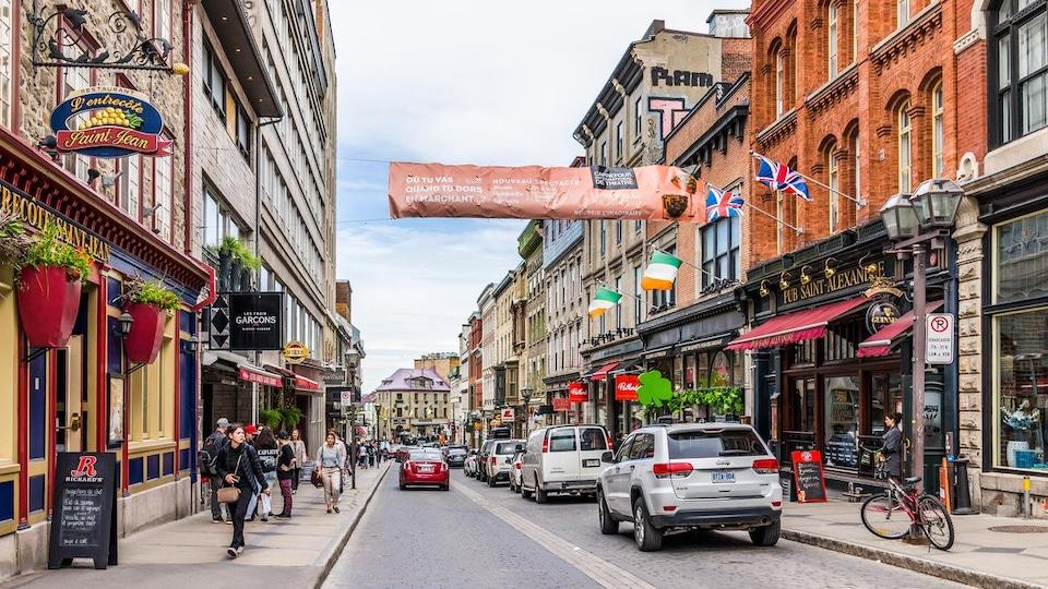 La rue Saint-Jean, à Québec
