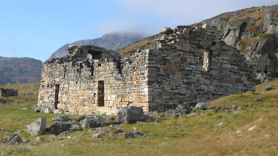 Les ruines d'une église au Groenland.