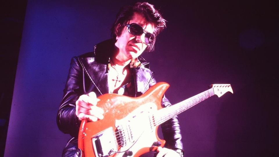 Link Wray dans le film « Rumble : The Indians Who Rocked The World »