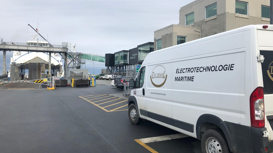 L'entreprise Techsol Électrotechnologie maritime est au quai de Matane.