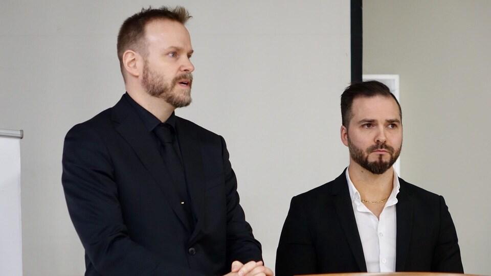 Dr Jean-François de la Sablonnière (à gauche) et Dr Emmanuel Tremblay (à droite).