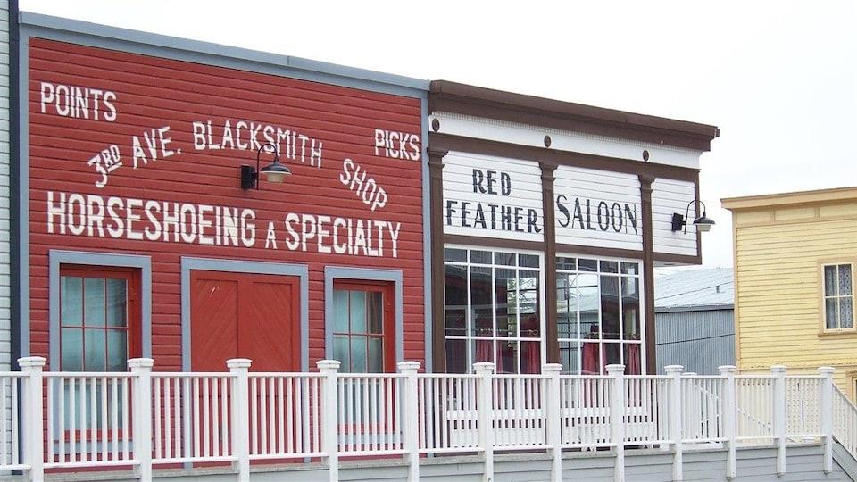Un ancien atelier de forgeron et un saloon reconstitué à Dawson City