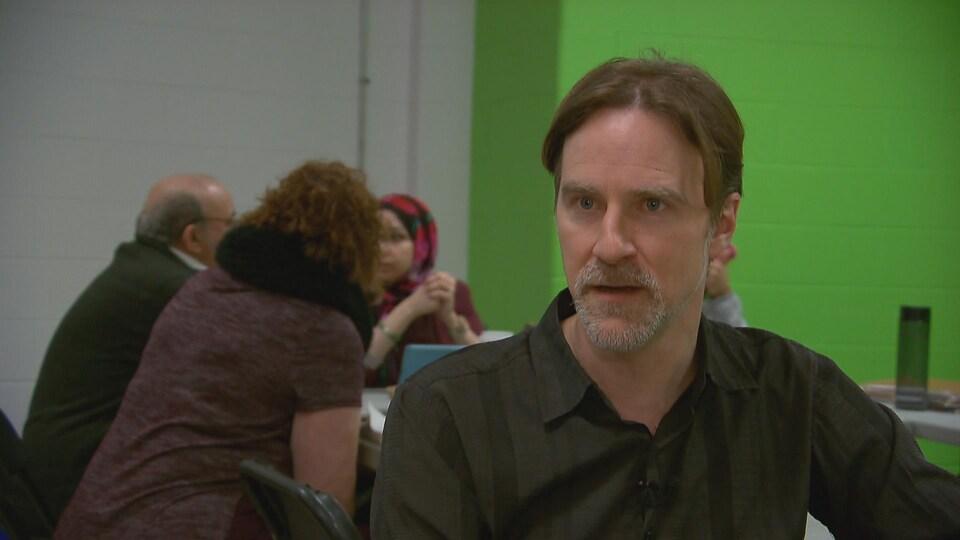 Sébastien Bouchard était parmi les quelques citoyens qui ont organisé la veillée à la chandelle au lendemain de l'attentat à la grande mosquée de Québec.