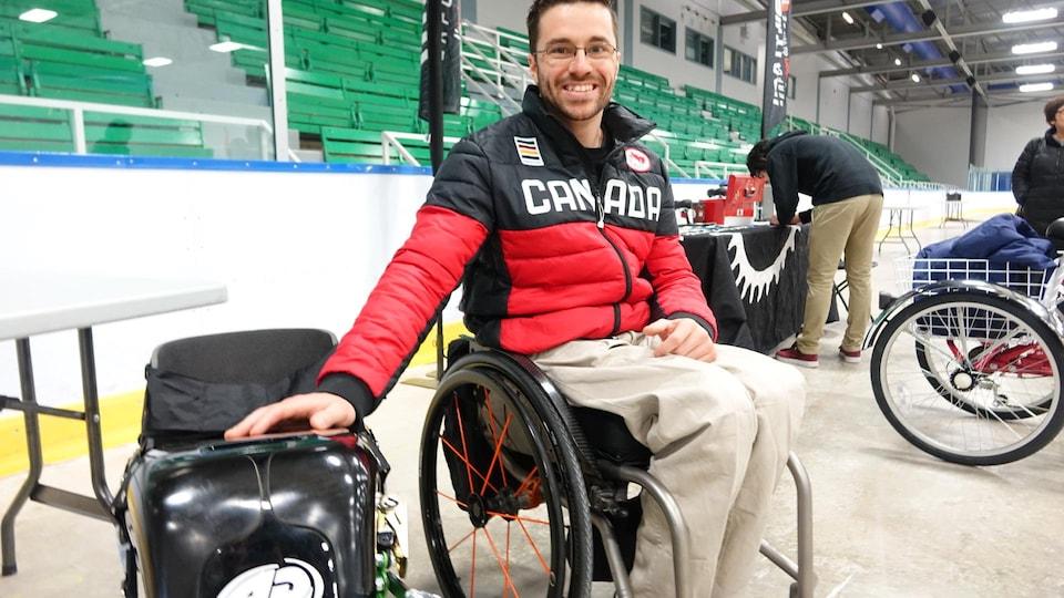Sébastien Fortier, athlète paralympique, lors d'une journée de démonstration de vélos adaptés à Lévis