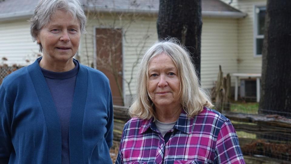 Anne Learn Sharpe et Janet Lord-Genyk, de l'organisme environnemental AWARE Essa,