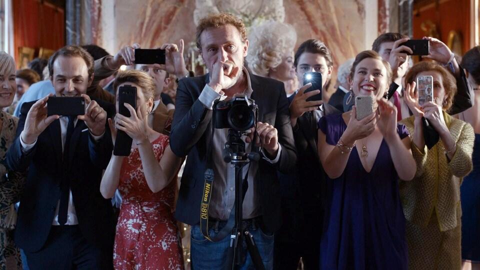 Une scène du film « Le sens de la fête »