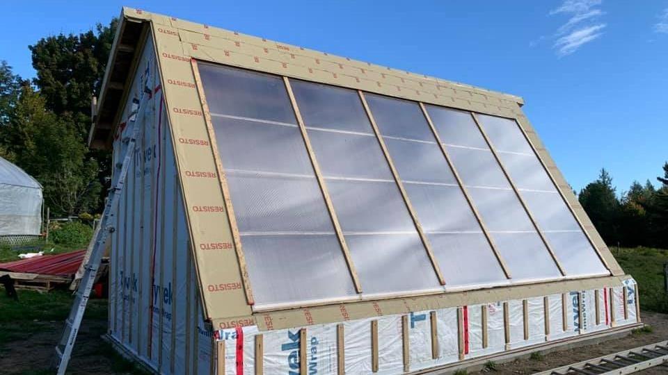 Une serre solaire passive intelligente située à Durham-Sud.