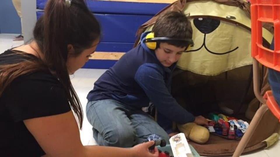 Un premier service de garde pour les enfants vivant avec un handicap voit le jour en Abitibi-Témiscamingue.