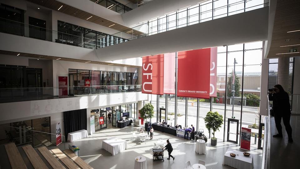 Campus de l'Université Simon Fraser (SFU), en Colombie-Britannique.