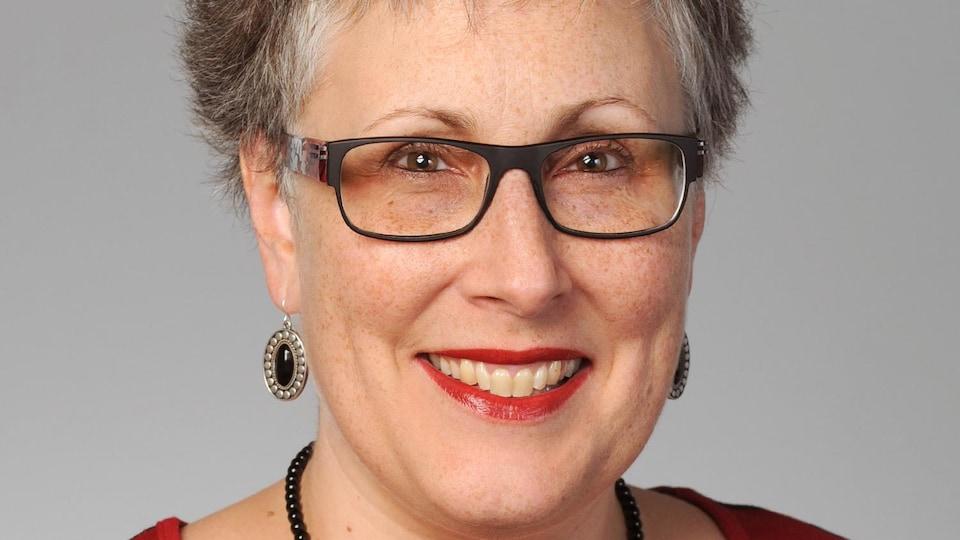 La Dre Sharon Hatcher, doyenne associée au campus Saguenay de l'Université de Sherbrooke
