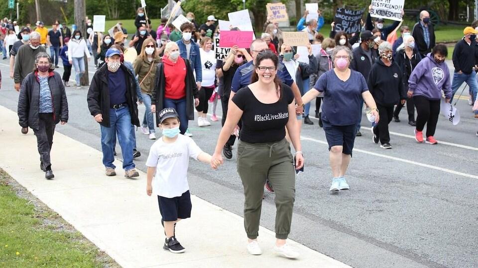 Des manifestants.