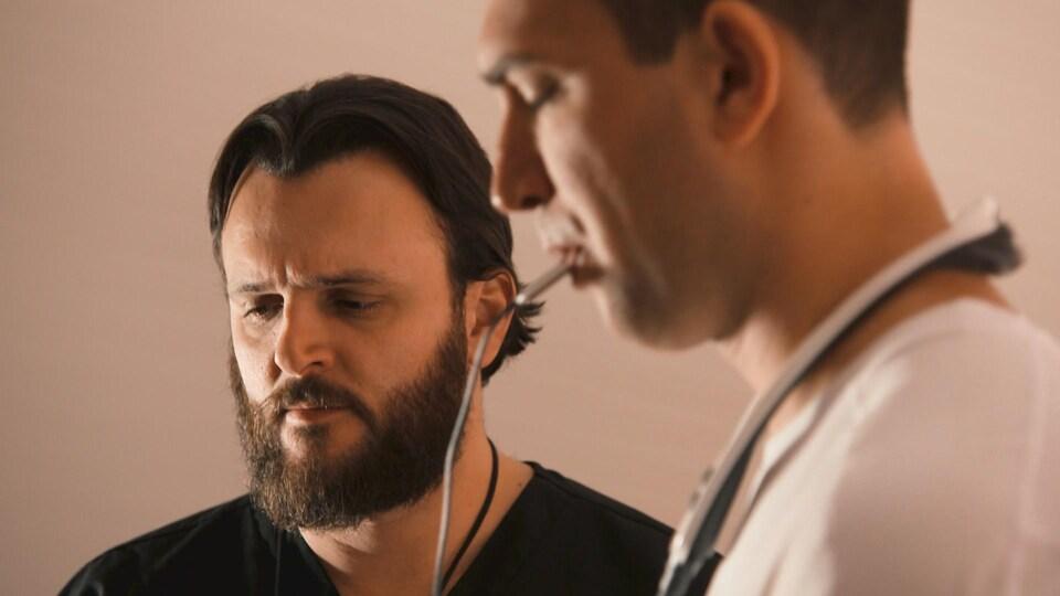 Le physiothérapeute responsable de Simon, Marcos Rodrigues.