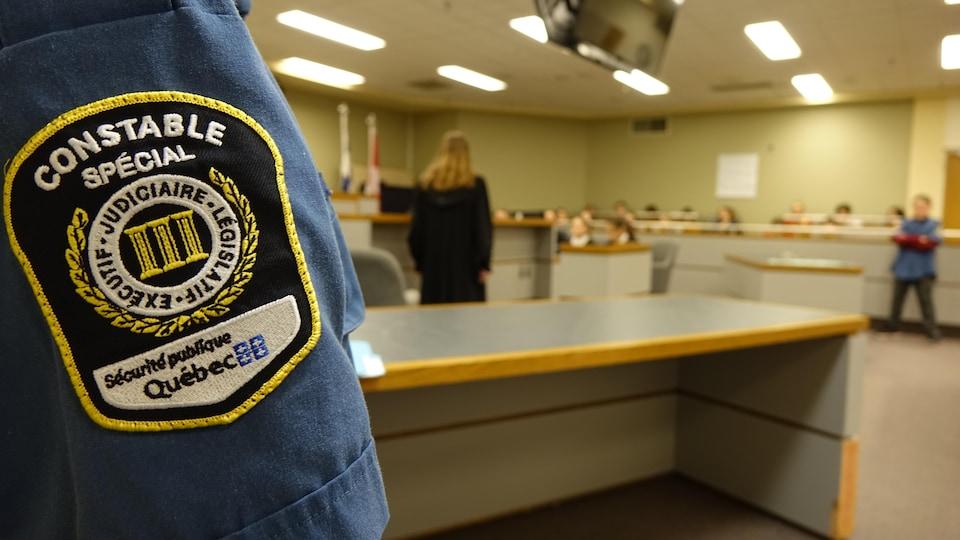 Des élèves ont aussi tenu le rôle de constables spéciaux.
