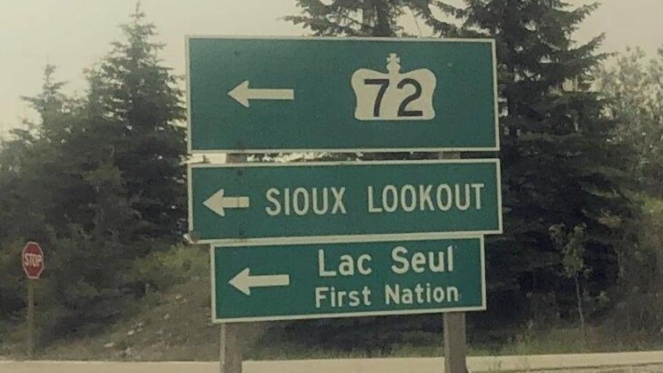 Le panneau routier indiquant la Première Nation Lac Seul.