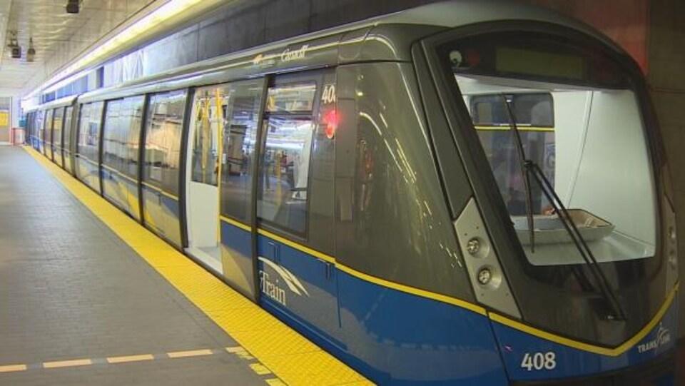 Une nouvelle rame du SkyTrain dans le Grand Vancouver