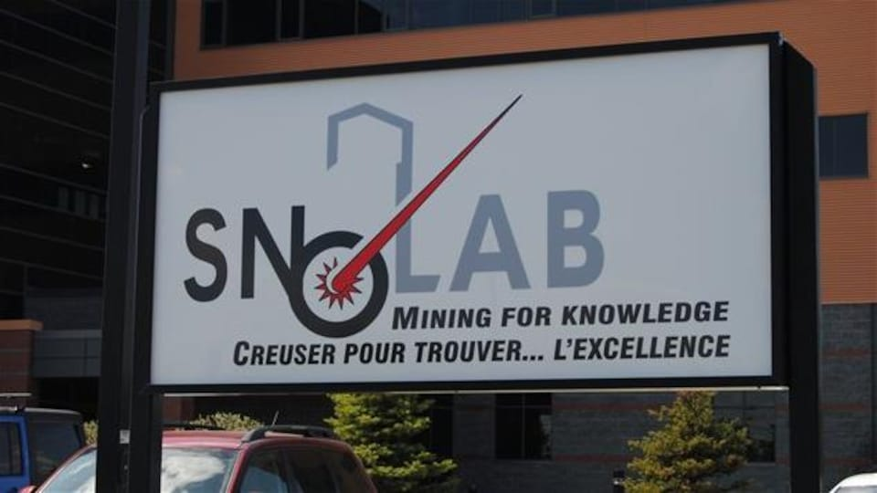 Le laboratoire de neutrinos SNOLAB est situé à deux kilomètres sous terre, dans la mine Creighton.