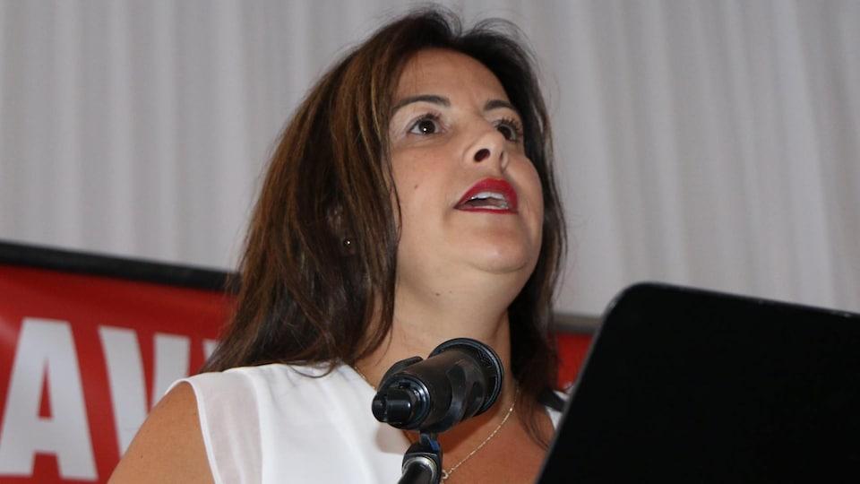 Sonia Baudelot au micro