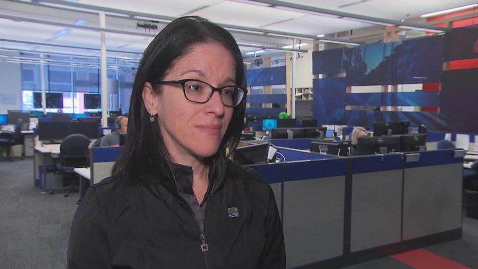 Sonia LeBel entrevue dans la station de Radio-Canada à Trois-Rivières.