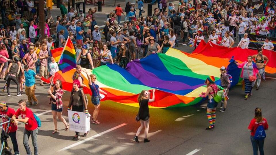 Défilé de la fierté à Calgary en 2017