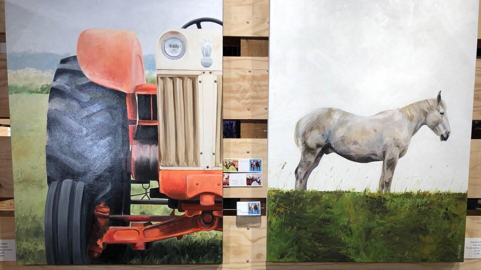 Un tableau représentant un tracteur et un autre tableau représentant un cheval.