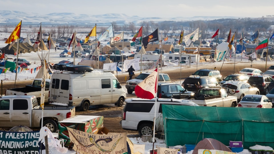 Vue d'ensemble du camp Oceti Sakowin, près de la réserve indienne de Standing Rock, dans le Dakota du Nord.
