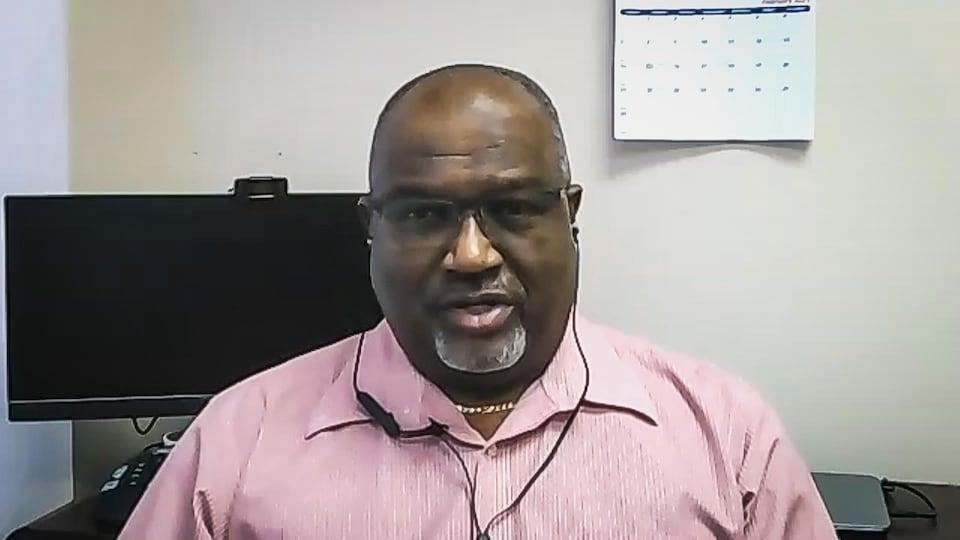 Capture d'écran d'une entrevue en vidéoconférence de Stephen Callender.