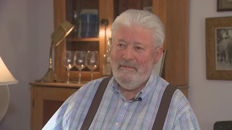 Gordon Stewart en entrevue
