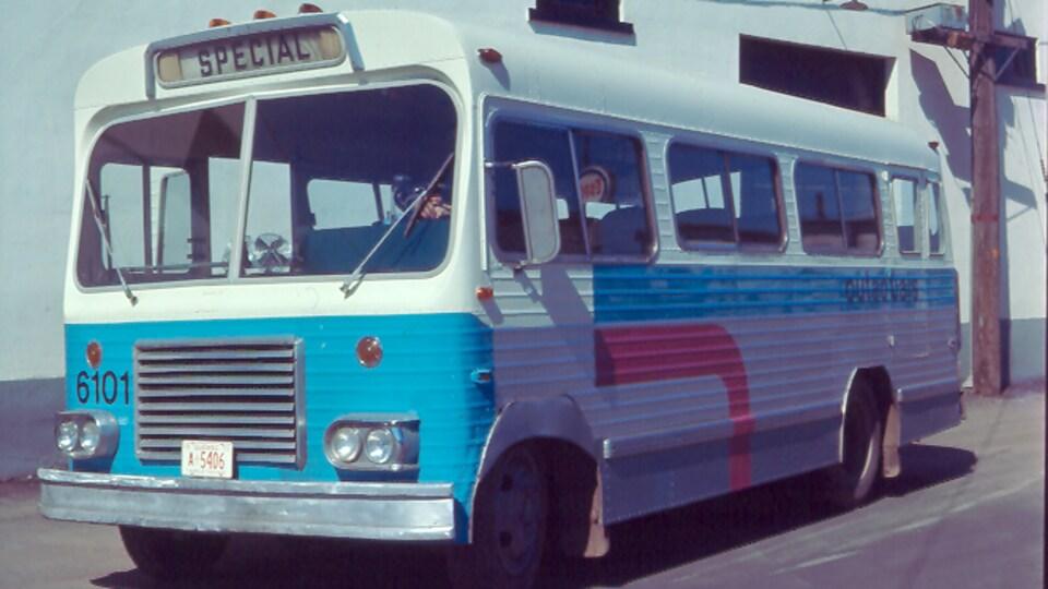 Un autobus de la STO en 1973