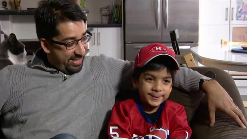 Sulemaan Ahmed et son fils Syed Adam