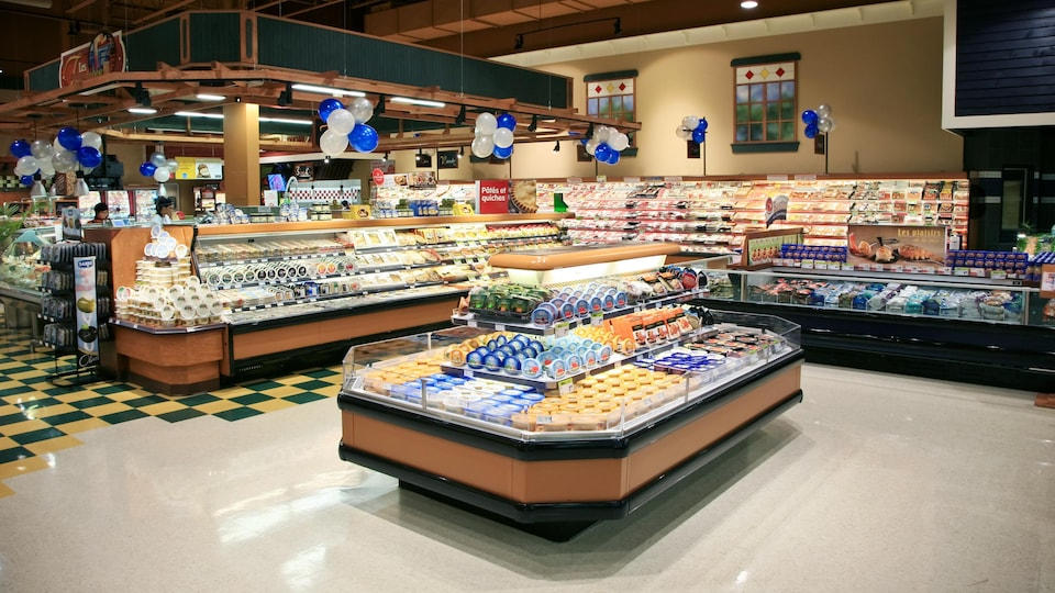 On voit l'intérieur d'un supermarché