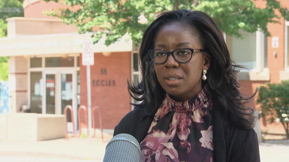 Suzanne Obiorah en entrevue.
