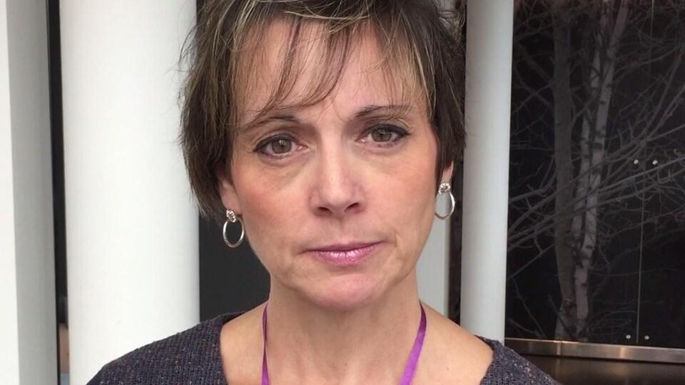 Portrait du visage d'une femme.