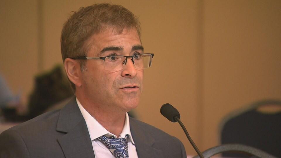 Le directeur de la santé publique du Bas-Saint-Laurent, le Dr Sylvain Leduc.