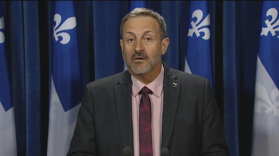 Le député de Bonaventure, Sylvain Roy, a fait part de ses commentaires en conférence de presse à Québec.