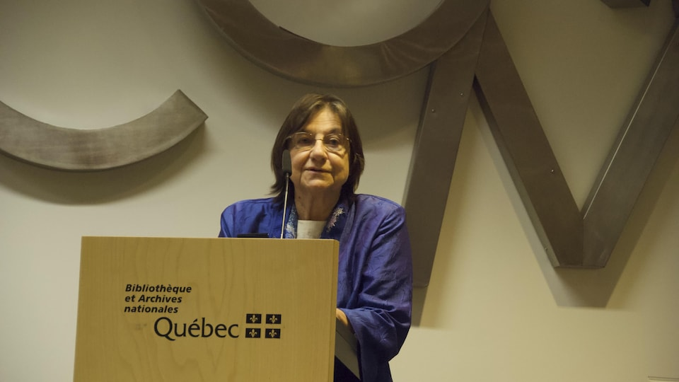 Sylvie Vincent lors d'une allocution.