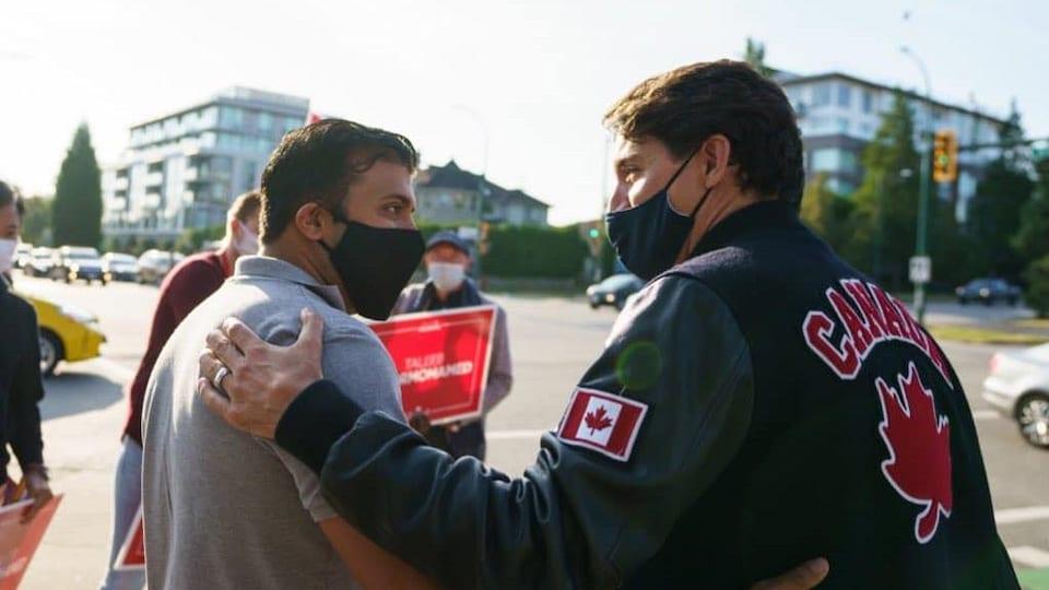 Taleeb Noormohamed avec Justin Trudeau.