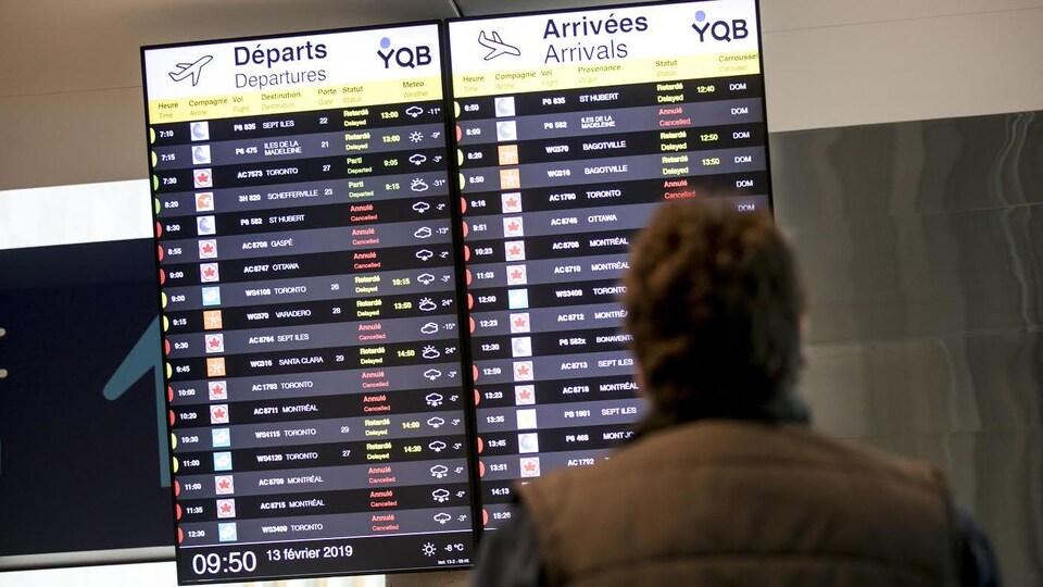 Les voyageurs doivent faire preuve de patience à l'aéroport Jean-Lesage