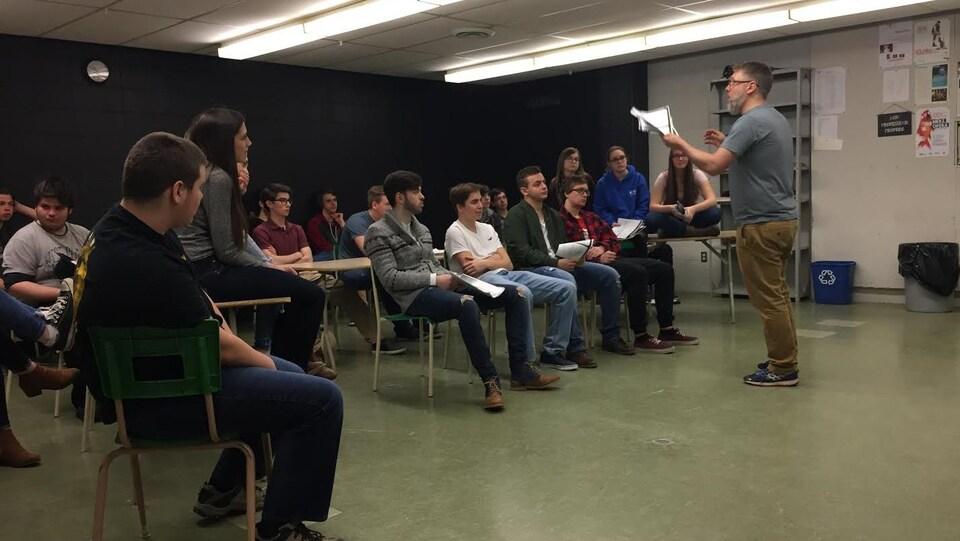 Pascal Binette et ses étudiants