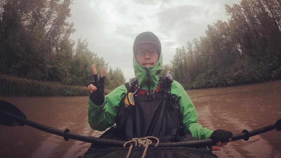 Thomas Destailleur dans un kayak.