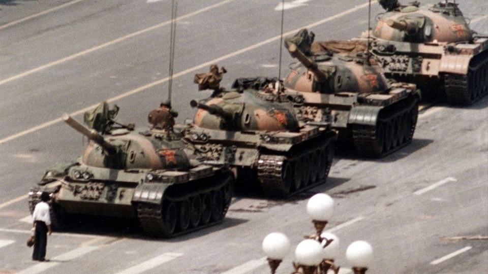 La célèbre photo de Jeff Widener sur la place Tiananmen, à Pékin.