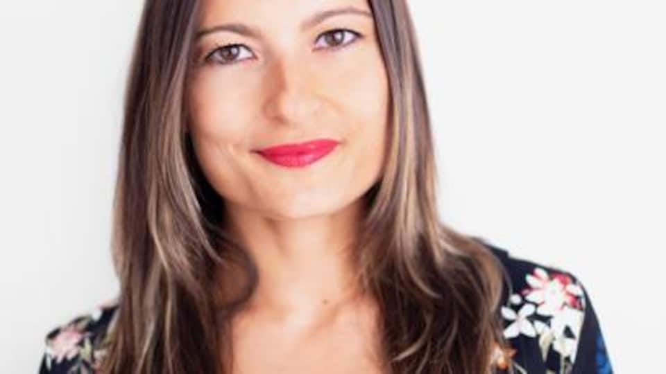 La journaliste d'enquête Raquel Miguel, affiliée à l'ONG EU Disinfo Lab