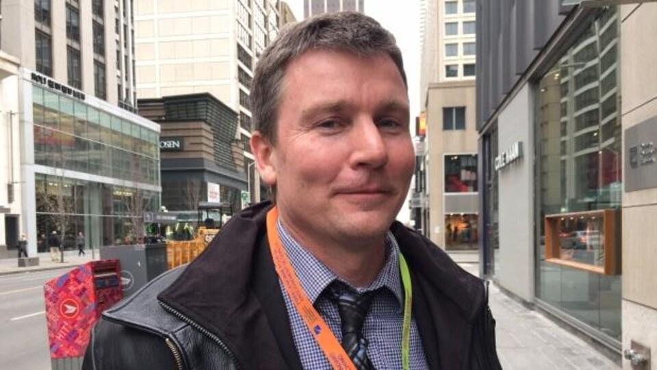 Le professeur ontarien Timothy C. Sullivan est accusé de dire à ses élèves du secondaire qu'ils pourraient mourir des suites d'une vaccination