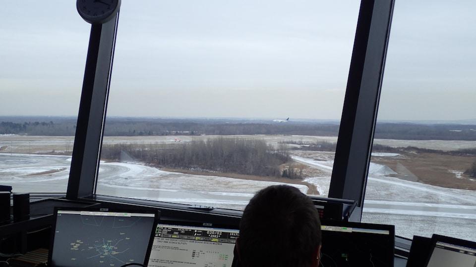 Vue de la tour de contrôle de Mirabel.